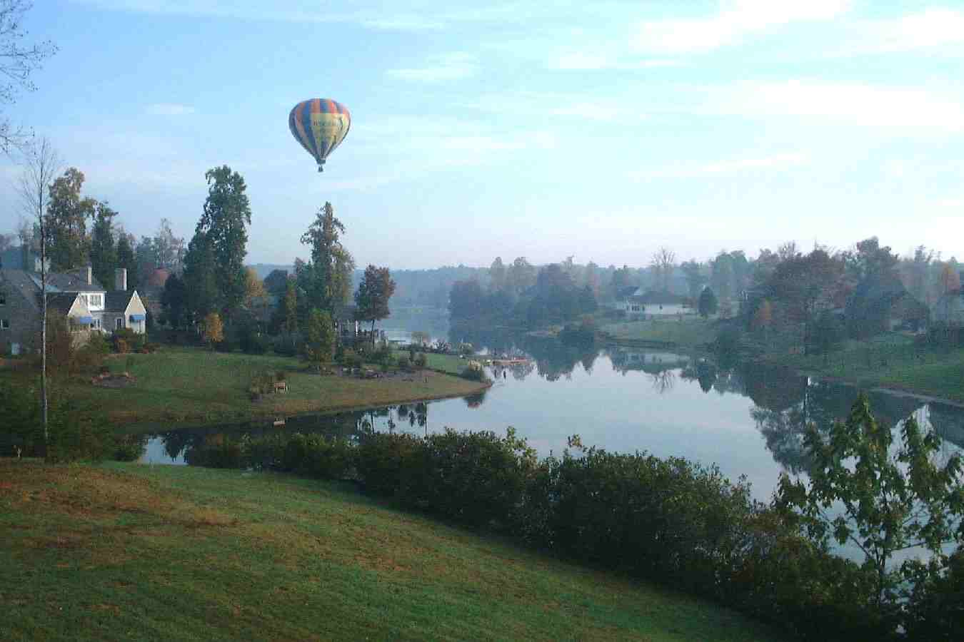 [Hot Air Balloon over Swan Lake]
